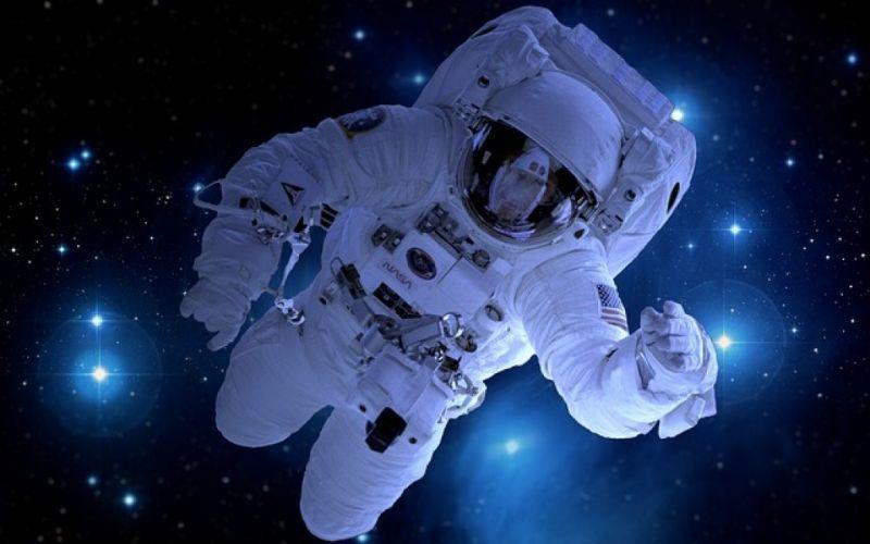 - (c) https://pixabay.com/en/astronaut-astronomy-satellite-moon-1946806/
