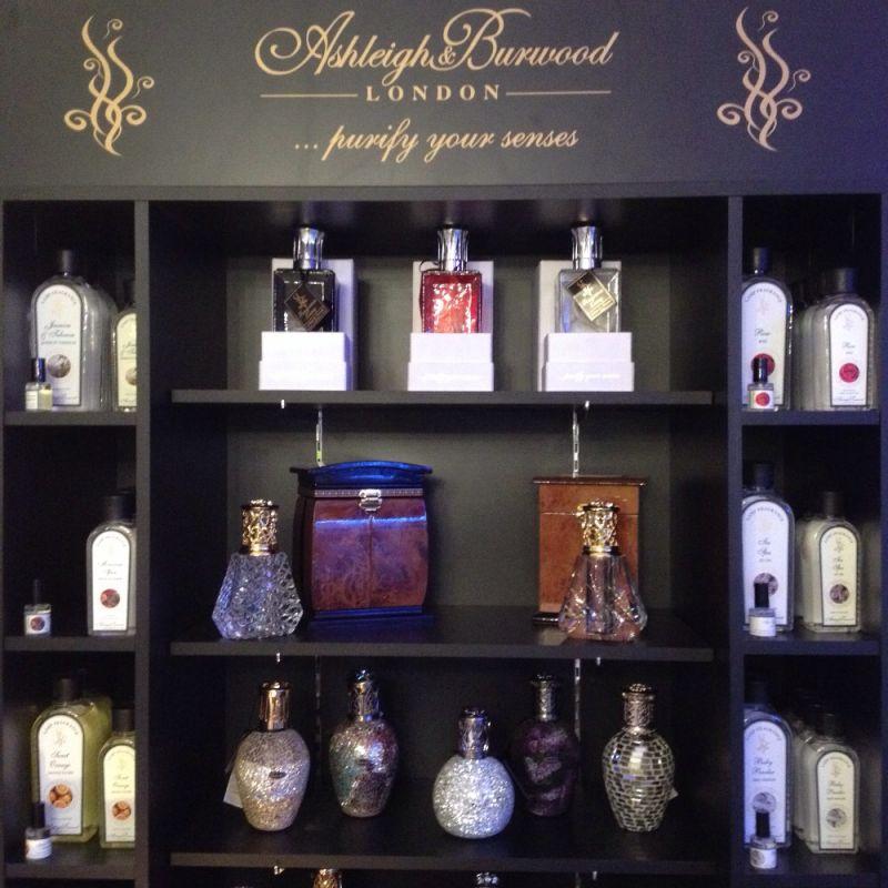 Ashleigh & Burwood LONDON ... purify your senses - DOG beauty-lounge - Stuttgart
