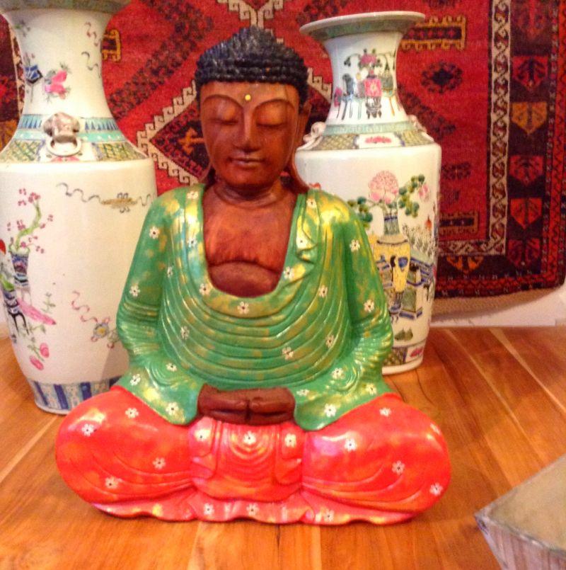 Buddha aus Holz - Living asia Wohnimpressionen aus Fernost - Ulm