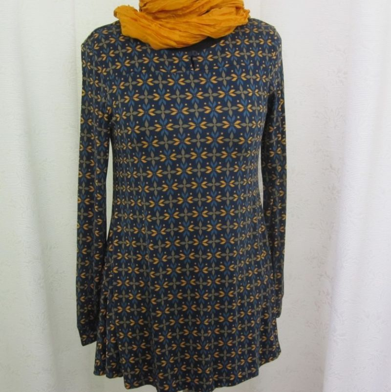 Himalaya Shirt mit passendem Seidenschal bei Ingrid Moden Augsburg. - Ingrid Moden - Augsburg- Bild 1