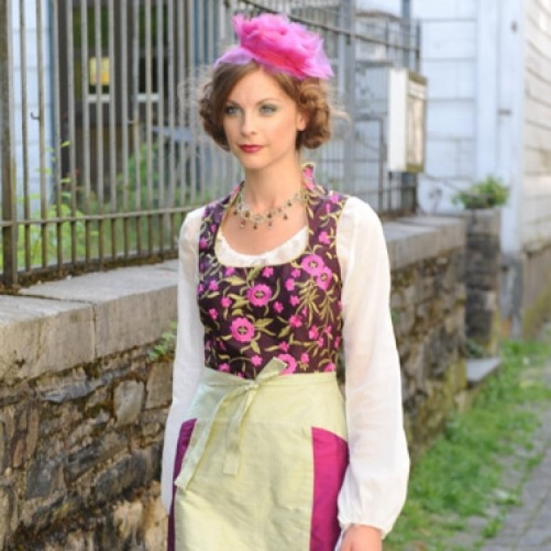 Marion Muck - Wilhelmine Dirndl, Einzelanfertigung   - Marion Muck - Mode Made in Germany - Köln