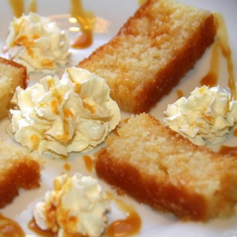 Griechische Kuchenspezialität Revani wird abends mit der Rechnung automatisch serviert. - Taverna Yia mas - Heilbronn