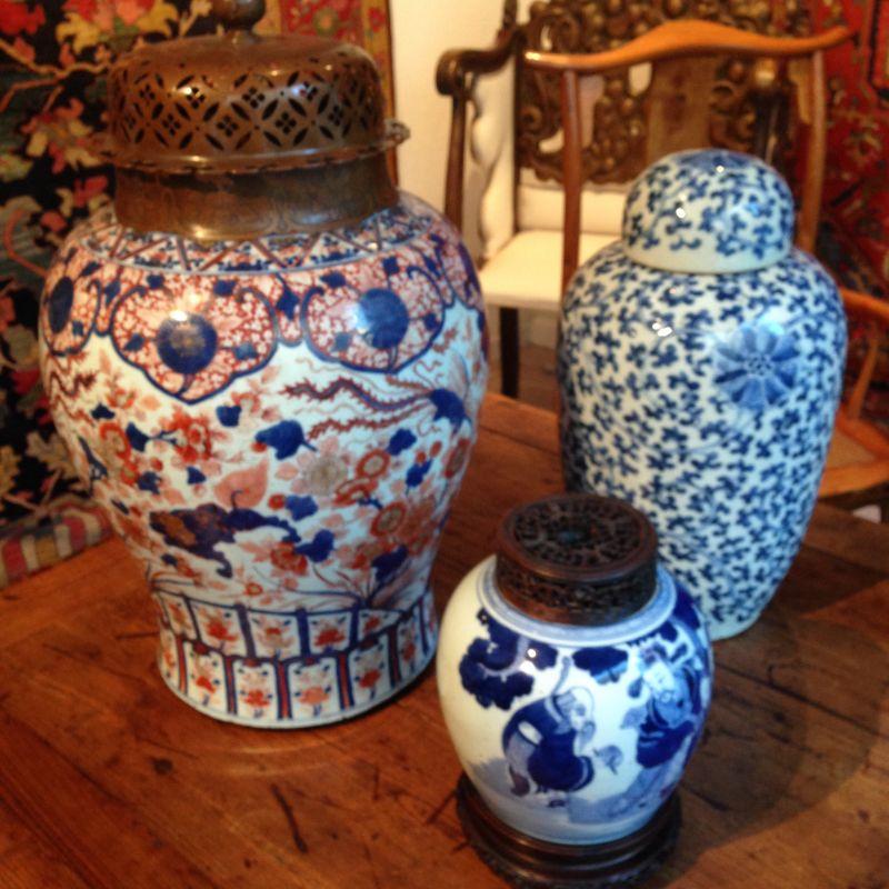 Gruppe antiker Chinesische Vasen - GALERIE ARABESQUE - Teppiche - Textilien - Skulpturen aus Asien und Europa - GALARIE ARABESQUE - Stuttgart