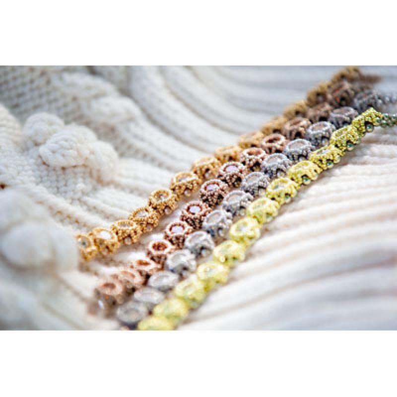 Armbänder gefädelt mit Swarovski Perlen Große Auswahl an einzelnen Swarovski Elementen, Rivoli und Pearls Perlen und Schmuckzubehör zur eigenen Schmuckherstellung - FINDUS CREATIVE ACCESSOIRES - Münster