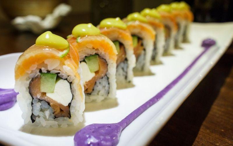 - (c) https://pixabay.com/de/sushi-lebensmittel-taipei-748139/