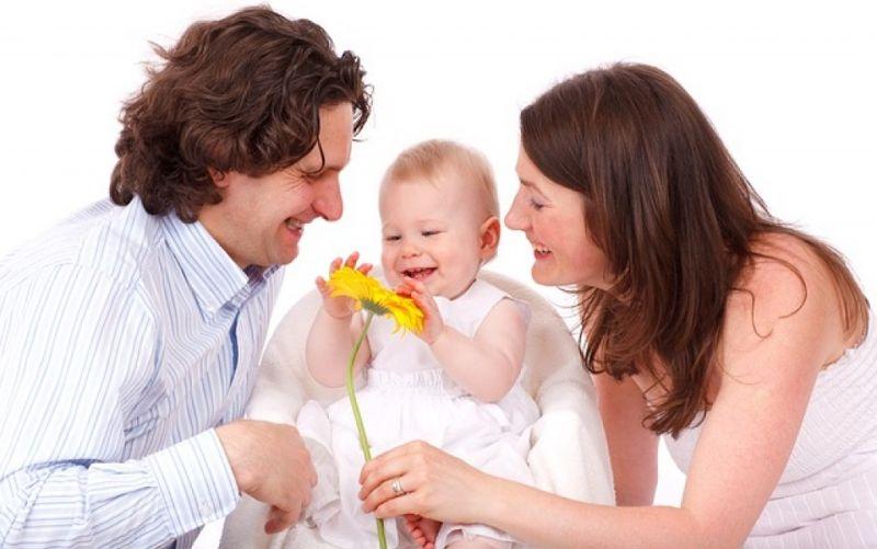 - (c) https://pixabay.com/de/baby-caucasian-kinder-tochter-17342/
