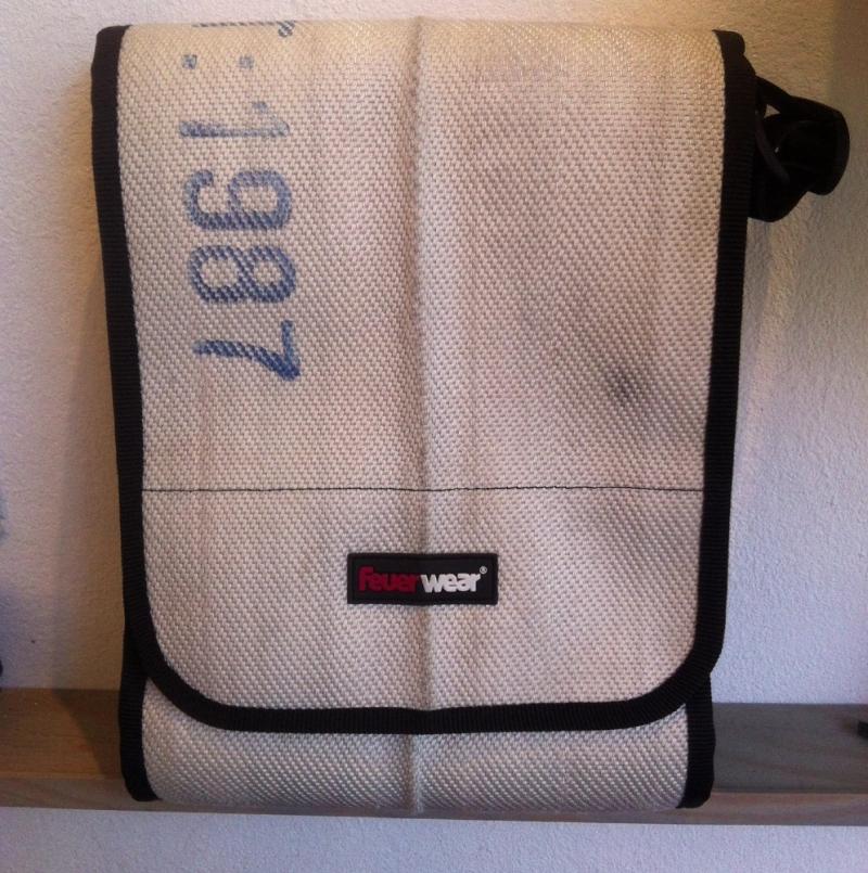 feuerwear Umhängetasche - JACK - white - size: 24 x 32 x 9 cm - Unikat aus Feuerwehrschlauch - LA SEDA Modeschmuck - Köln