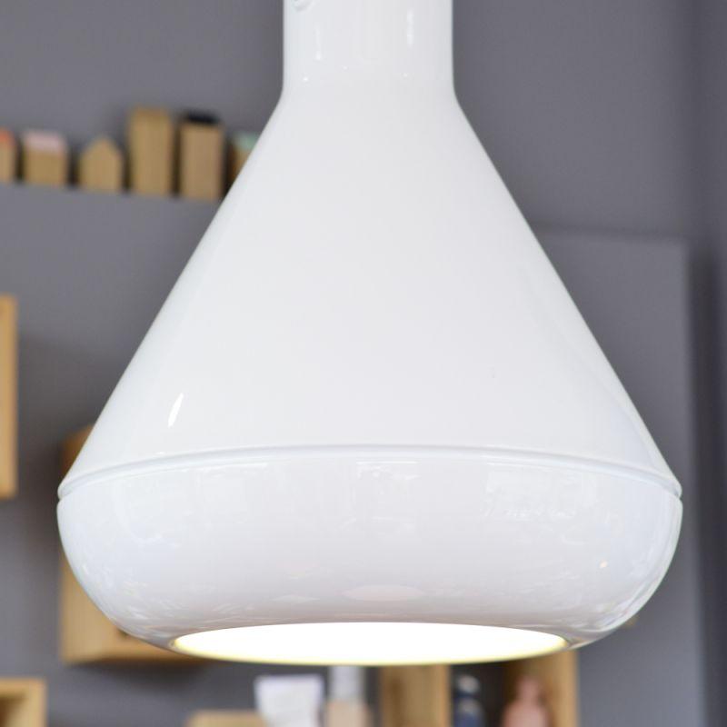 Indoor & Outdoor Hängelampe aus Kunststoff, poliert weiß und matt schwarz. Preis ab Euro 290,00 - LIEBLINGSSTÜCKE by Das Schauwerk - Stuttgart