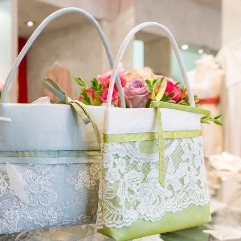 Brauttaschen von vannilla - VANNILLA Braut- und Abendgarderobe - Köln