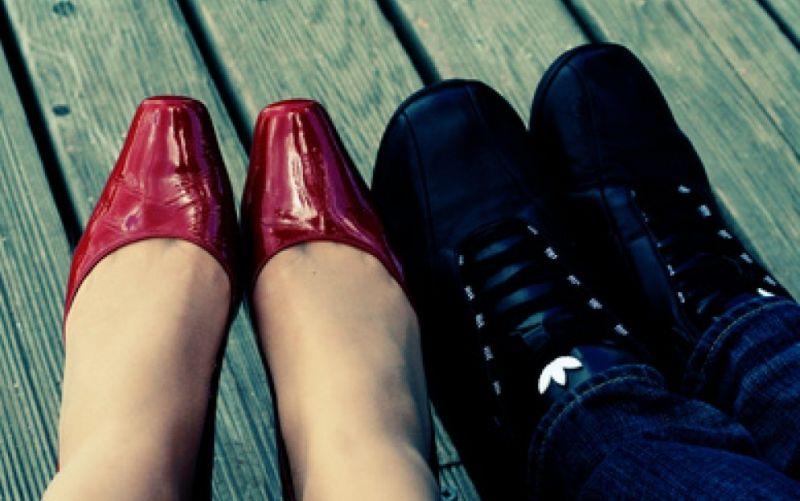 Verliebte Schuhe - (c) Katrin Schindler  / http://www.pixelio.de/media/658557