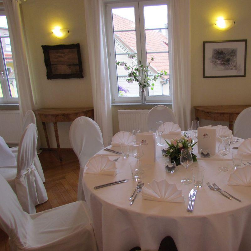 Ballsaal für Hochzeitsfeiern/Geburtstagsfeiern/Firmenfeiern - Restaurant Künstlerkneipe - Karlsruhe