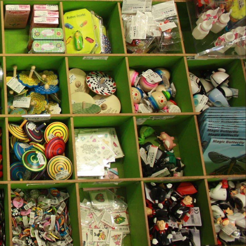 Give aways für Kindergeburtstage und Verlosungen  Kreisel Seifenblasen Flummis und vieles mehr - PAPPNASE & CO. - Stuttgart- Bild 2