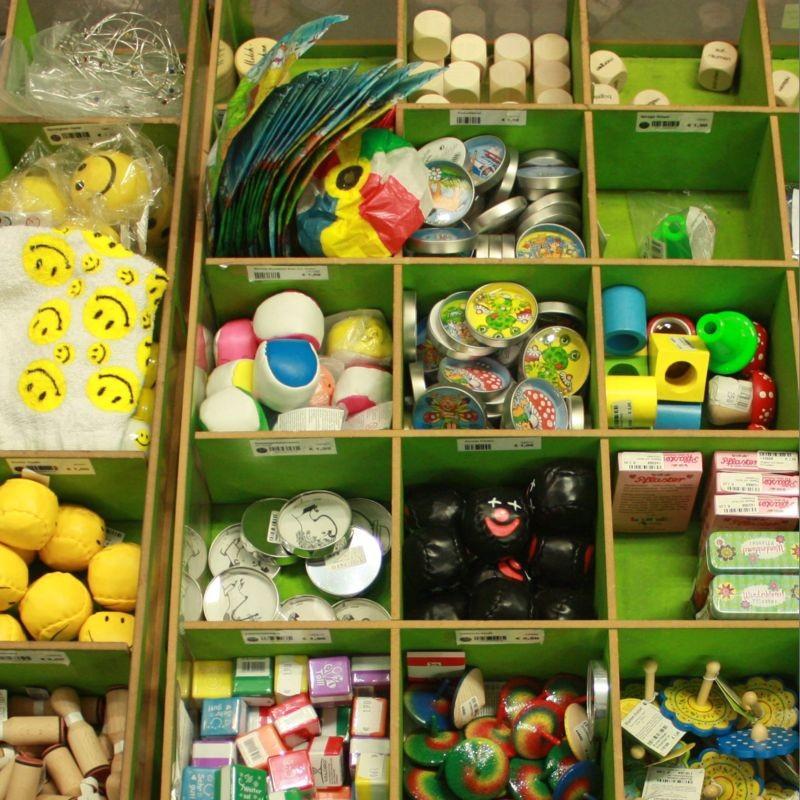 Give aways für Kindergeburtstage und Verlosungen  Kreisel Seifenblasen Flummis und vieles mehr - PAPPNASE & CO. - Stuttgart- Bild 3