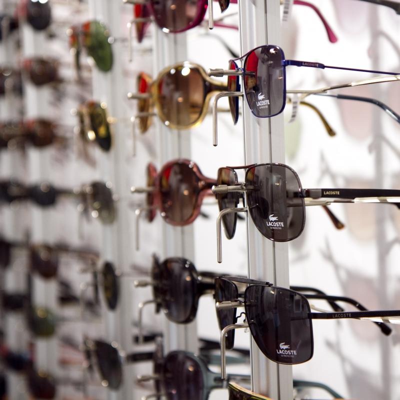 Sonnenbrillen von LACOSTE, ESPRIT..... - Zinsstag Augenoptik - Stuttgart