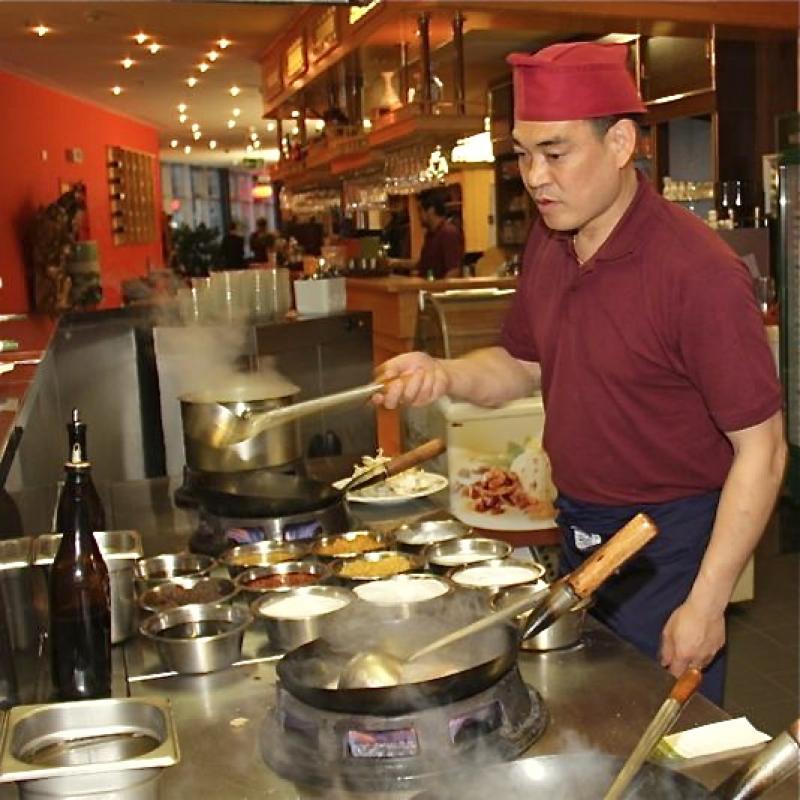 yan sushi wok heilbronn mittagstisch spezialit ten mongolische k che chinesische k che sushi. Black Bedroom Furniture Sets. Home Design Ideas