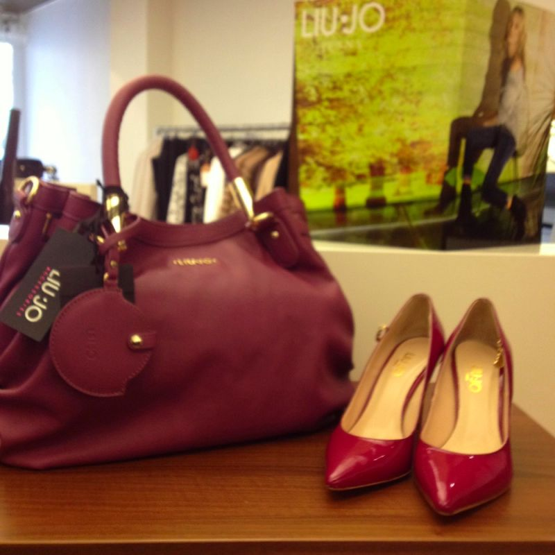 Pumps und Tasche von LIU JO - Loisa Damenmode - Waiblingen