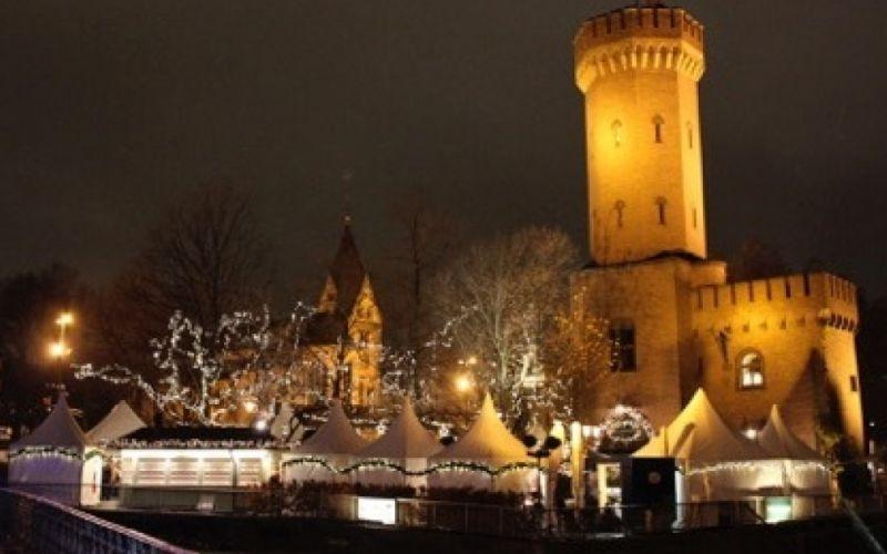 Kölner Hafen Weihnachtsmarkt am Schokoladenmusem