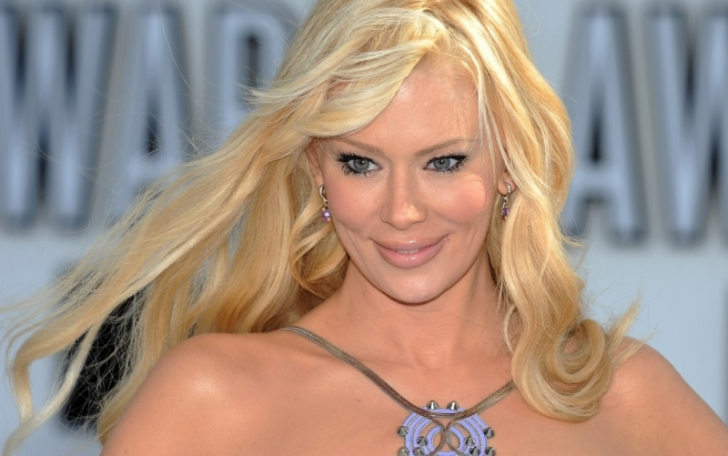 Former porn star Jenna Jameson is accused of battery, according to