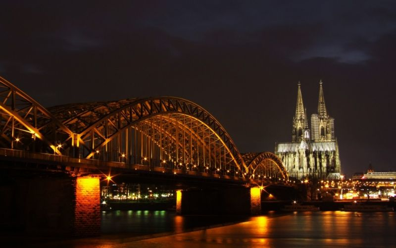 Kölner Dom, Hohenzollernbrücke - (c) Marvin Siefke  / pixelio.de // http://www.pixelio.de/media/581065