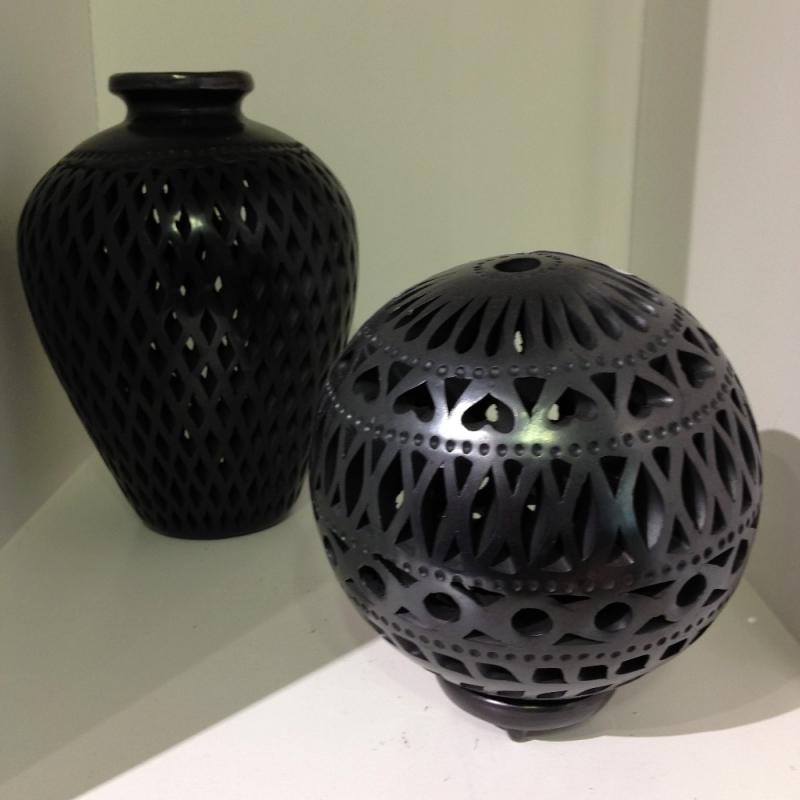 Vasen aus schwarzen Ton; Hochwertiges Kunsthandwerk aus Mexico - LUNA VIVA - Schorndorf