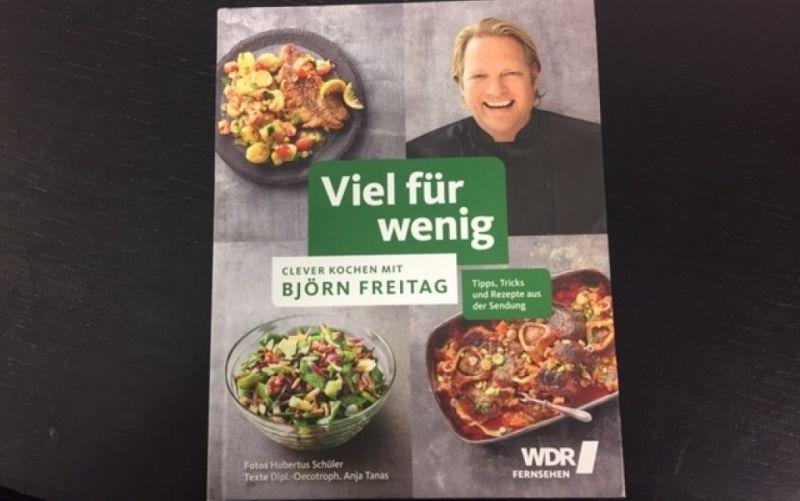 - (c) Viel für wenig / Clever kochen mit Björn Freitag / Becker Joest Volk Verlag