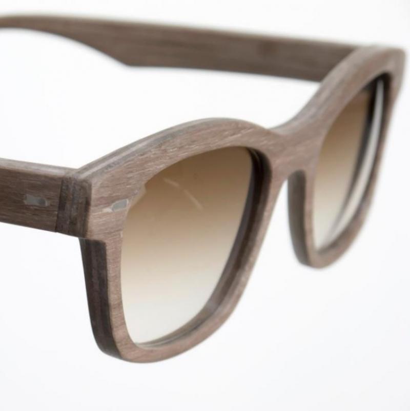 Holzbrille aus amerikanischem Nussbaum - Kurz und Weit Brillenwerkstatt - Köln