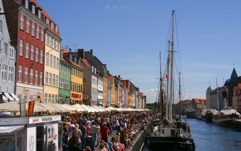 - (c) www.flickr.com/Martin Kirchgessner/København/https://www.flickr.com/photos/martinkirch/10544128716/