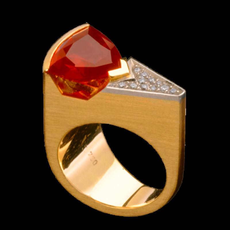 Ring aus Gold 750/000 mit einem mexikanischen Feueropal und Brillanten in Platin gefasst. - Blair Schmuck - Stuttgart