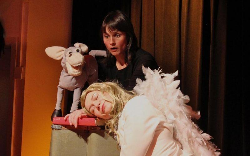 Die Weihnachtsgeschichte erzählt vom Engel & vom Esel - (c) Engel&Esel;-Produktionen