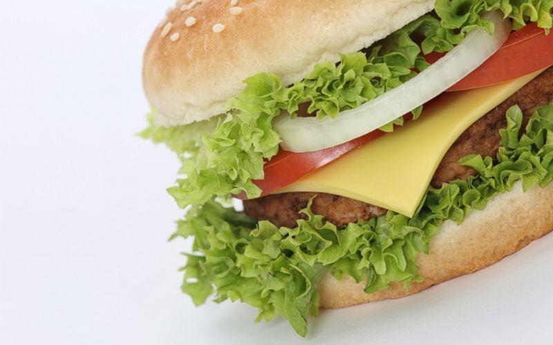 Fastfood / Burger  - (c) Tim Reckmann  / pixelio.de / Burger / Fast Food / http://www.pixelio.de/media/754983