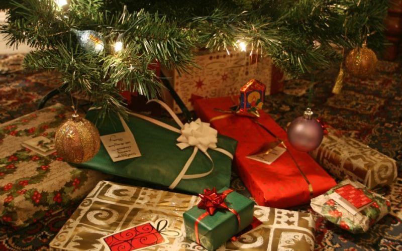 Weihnachtsgeschenke! - (c) flickr.com/Alan Cleaver/https://www.flickr.com/photos/alancleaver/4085081401/