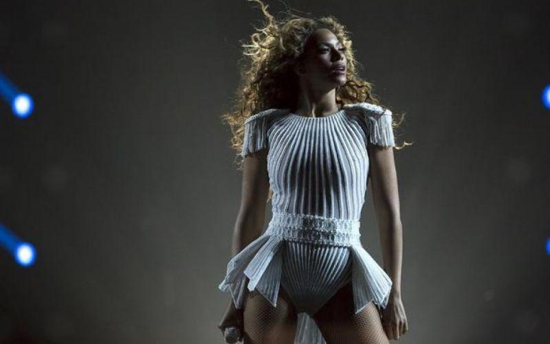 Beyoncé  - (c) Flickr / Diariocritico de Venezuela / Beyoncé / https://www.flickr.com/photos/diariocriticove/8676343462/in/photolist-edGwCE-5UqRPr-gqEPru-dopb99-fftnJk-gqEbjm-ymZUh-gqEPBj-z1e6Z-ndSi4n-ffHBij-perb8S-8j2oqq-8AtAtr-eRfuw6-kQ1kA8-9Eq7hF-fftpAH-dS6Jg4-fftqs2-ffHA1y-gqEbW3-dopbcN-yn14A-nnb4UP-dS2zwp-gqFbcz-jdNFvG-dop36r-M2iUC-jeuN2B-ffHCWG-ampZdD-dop37P-4tfEvc-cBDYdQ-uVqwzc-eGtc98-yn182-cBDYuu-ampZt6-dzACrz-yn2Qe-cBDYpq-6escRz-oyxArB-cBDY3C-pCYqQV-ffHBVo-fftnkH