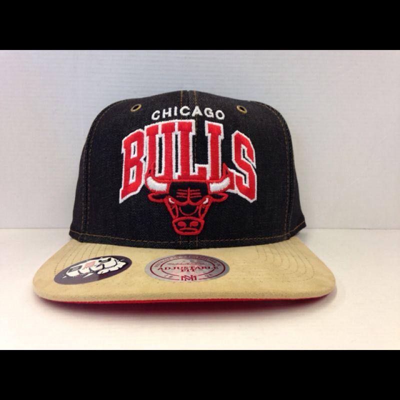 Mitchell & Ness Denim Arch NBA Bulls Strapback/ Snapback - BEYSTYLE Sneakers & More - Böblingen
