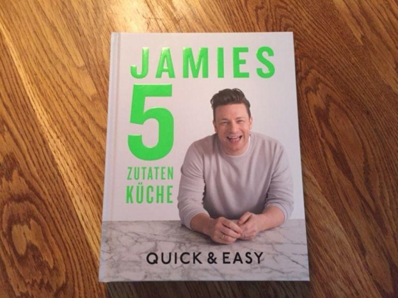 © Jamie Oliver / Jamies 5 Zutaten Küche / Quick & Easy / Christine Pittermann