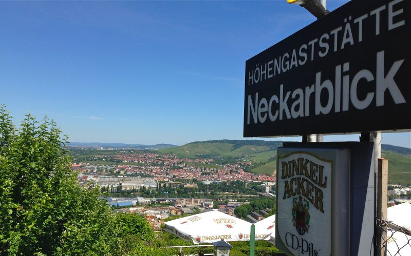 Photo von Neckarblick zwischen Wald und Reben in Stuttgart