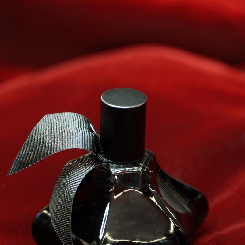 große Parfume Auswahl von Comme des Garcons - Horst Wanschura - Stuttgart