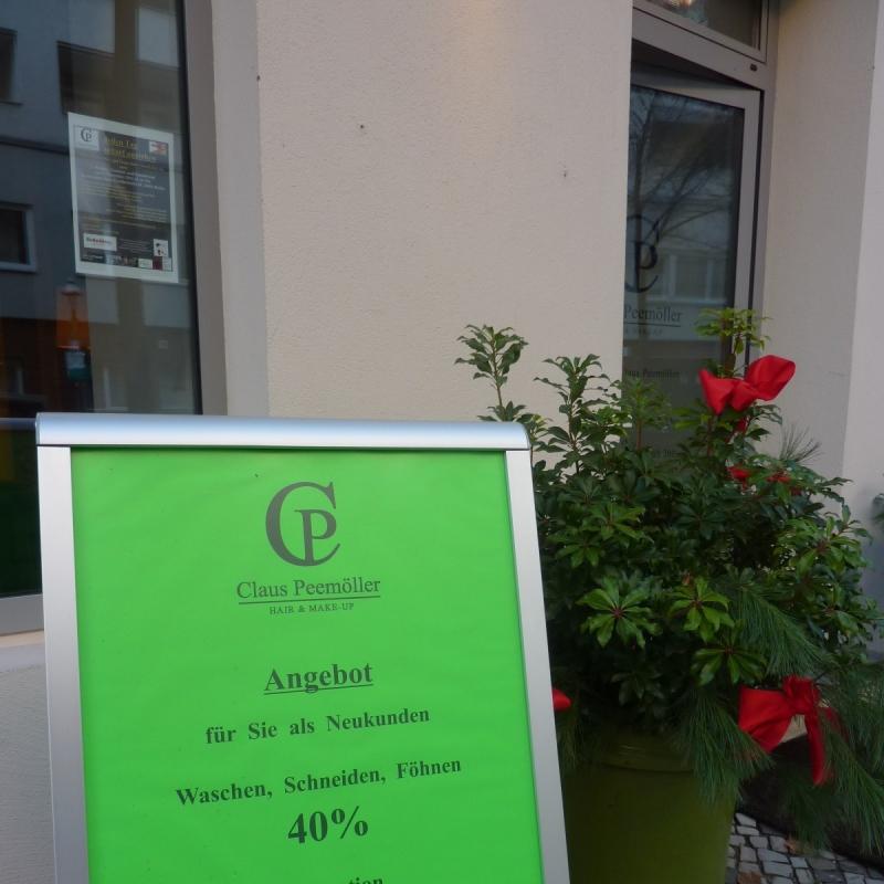 Weihnachts-Spezial  40% auf den Haarschnitt ( 55,- alt )  30% auf Coloration ( 55,- alt ) - Claus Peemöller Hair & Make-up - Berlin- Bild 1