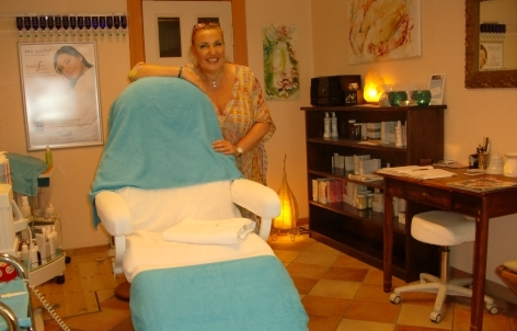 marlies kewley kosmetik berlin charlottenburg wilmersdorf fu pflege pedik re waxing kosmetik. Black Bedroom Furniture Sets. Home Design Ideas