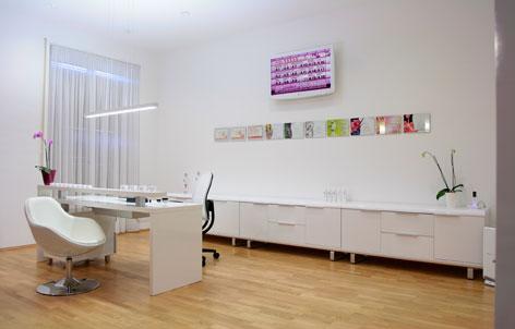 Foto 2 von Kaiserin Professional Nails in Berlin