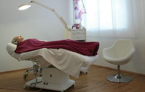 Foto 3 von Kaiserin Professional Nails in Berlin