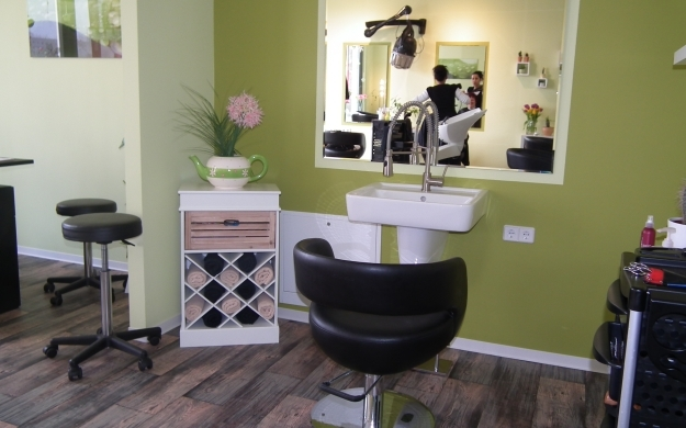 hair expert berlin friedrichshain kreuzberg friseure haarstudios. Black Bedroom Furniture Sets. Home Design Ideas