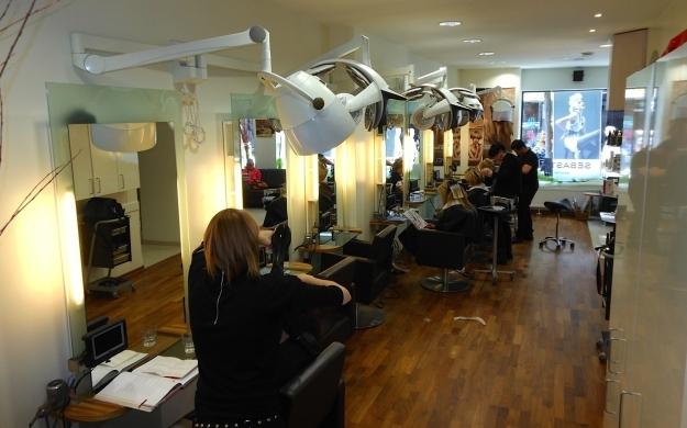 Foto 1 von Intercoiffure Shampoo in Wiesbaden