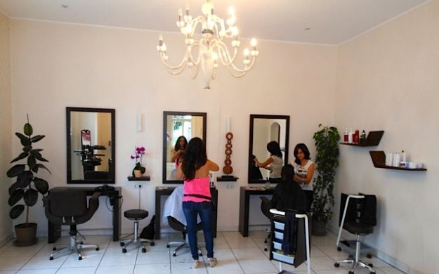 Foto 9 von Hair Lounge in Wiesbaden