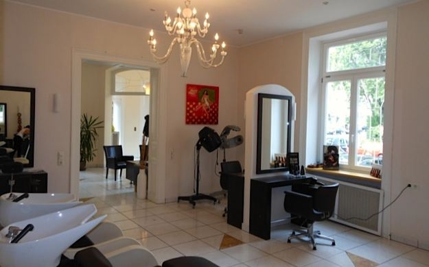 Foto 4 von Hair Lounge in Wiesbaden
