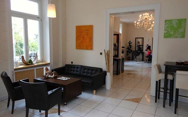 Foto 3 von Hair Lounge in Wiesbaden