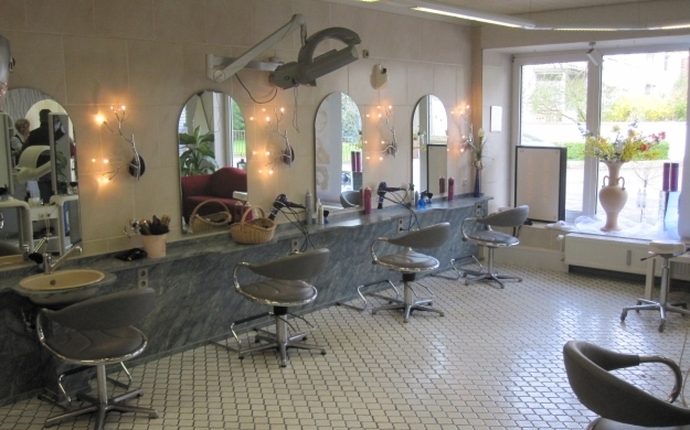 Foto 2 von Haarmoden Tschampel in Köln