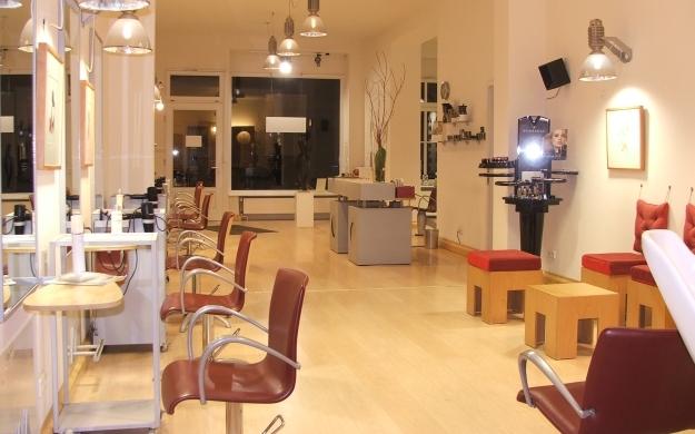 brainworker berlin friedrichshain kreuzberg friseure haarstudios kosmetik haarverl ngerung. Black Bedroom Furniture Sets. Home Design Ideas