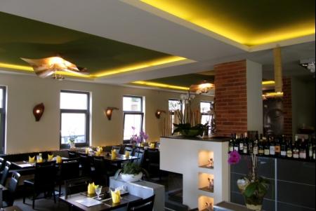 restaurant van asiatische spezialit ten stuttgart. Black Bedroom Furniture Sets. Home Design Ideas