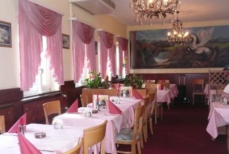 restaurant pegasos oberhausen alt oberhausen bierg rten bowling griechische k che regionale. Black Bedroom Furniture Sets. Home Design Ideas