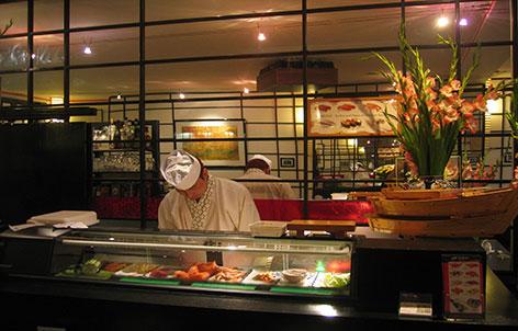 tokyo sushi restaurant k ln kwartier lat ng fischrestaurant japanische k che sushi. Black Bedroom Furniture Sets. Home Design Ideas